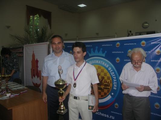 Этап Рапид Гран-при в Астрахани: Александр Евдокимов организовал турнир и выиграл его!