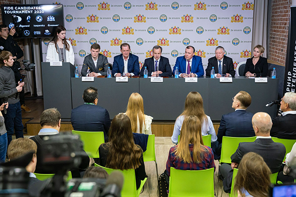 В Екатеринбурге состоялась предстартовая пресс-конференция турнира претендентов ФИДЕ