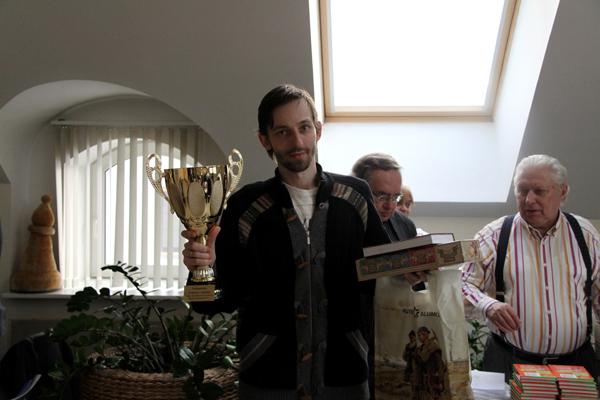 Александр Грищук выиграл праздничный гандикап
