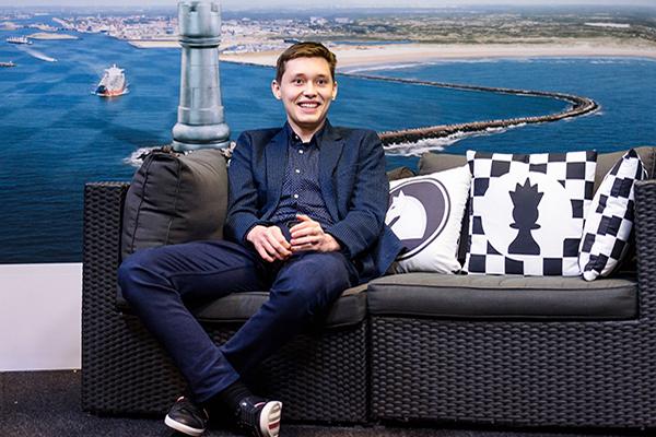 Первый канал о победе Андрея Есипенко над Магнусом Карлсеном
