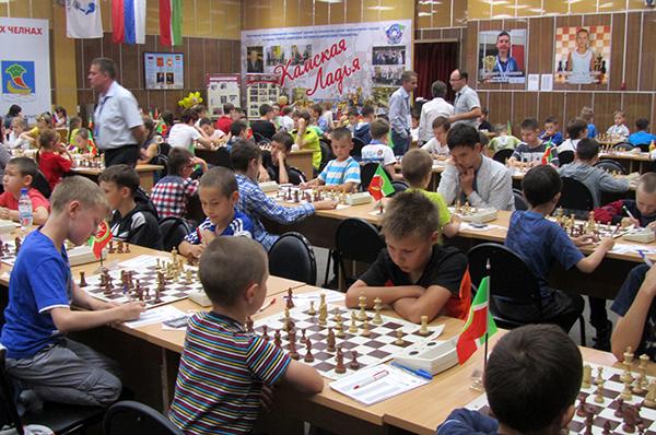 В Набережных Челнах проходит несколько детских турниров