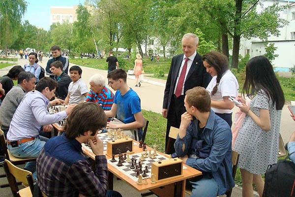 75-летие Самарского университета отметили шахматным турниром