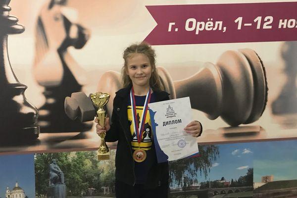 Даша Новикова (Красногорск), чемпионка ЦФО среди девочек до 11 лет