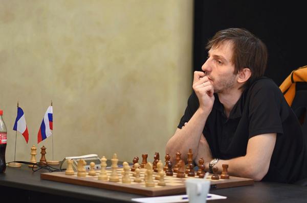 Александр Грищук побеждает Василия Иванчука в Париже