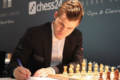 Magnus Carlsen Maintains Leadership at GRENKE Chess Classic