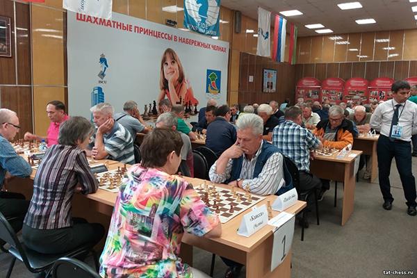 В Набережных Челнах состоялся командный чемпионат Татарстана среди ветеранов по рапиду