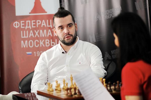 Ян Непомнящий посетил студию Moscow Online Chess