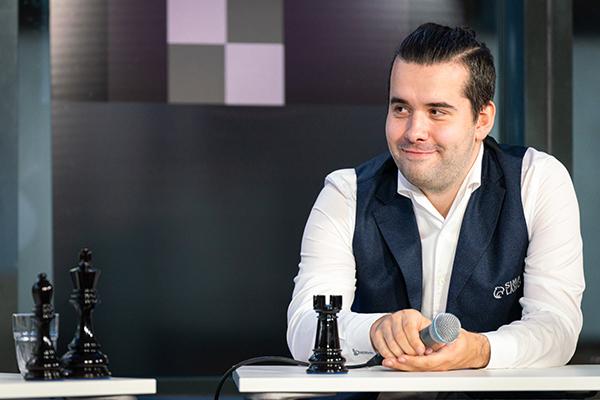 Ян Непомнящий и Сергей Карякин одержали победы в третьем туре Norway Chess