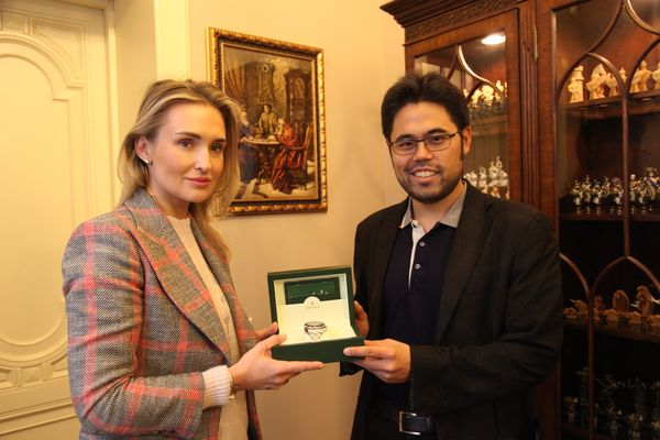Hikaru Nakamura Received a Special Prize for His Hat-trick in Zurich