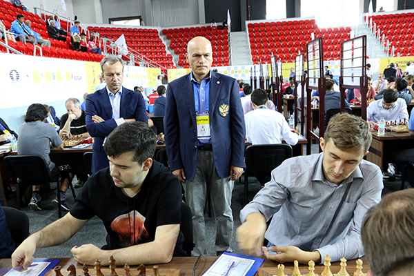 Arkady Dvorkovich and Andrey Filatov watching the games of Ian Nepomniachtchi and Sergey Karjakin. Batumi, 2018