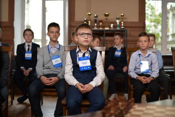 Даниил Дубов дал мастер-класс юным шахматистам Санкт-Петербурга