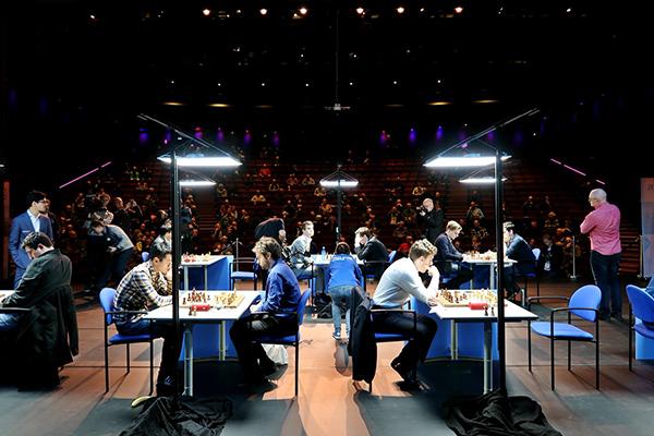 Ян Непомнящий и Дин Лижэнь лидируют на супертурнире Tata Steel Masters