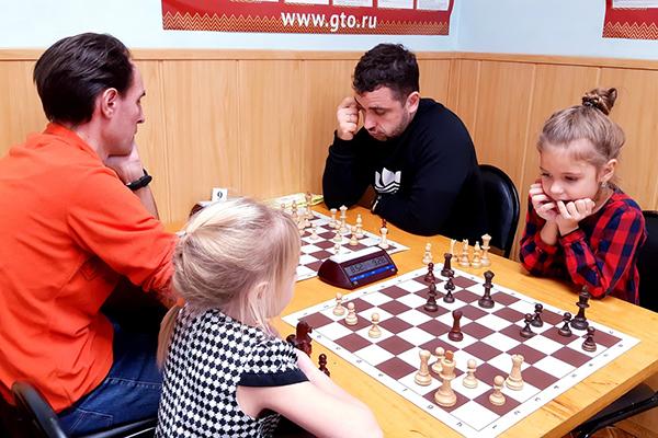 В Нижнем Новгороде прошел турнир «Папа, мама, я - спортивная семья!»