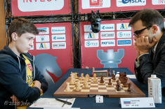 Andrey Esipenko and David Paravyan are Among Leaders in Gibraltar