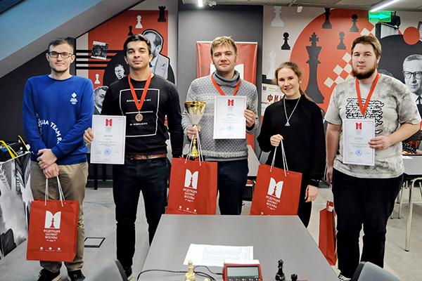 Владимир Захарцов выиграл чемпионат Москвы по рапиду