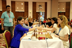 Alina Kashlinskaya and Pauline Guichard Lead European Women's Championship