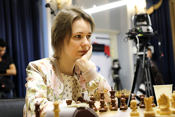 Александра Горячкина вышла в лидеры турнира претенденток
