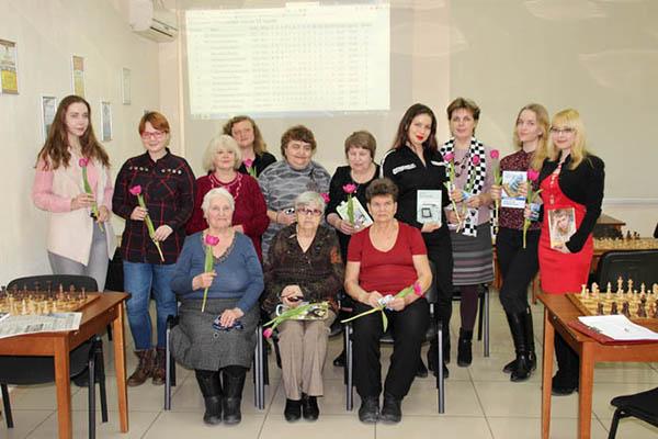 В Самарской шахматной гостиной отметили Международный женский день