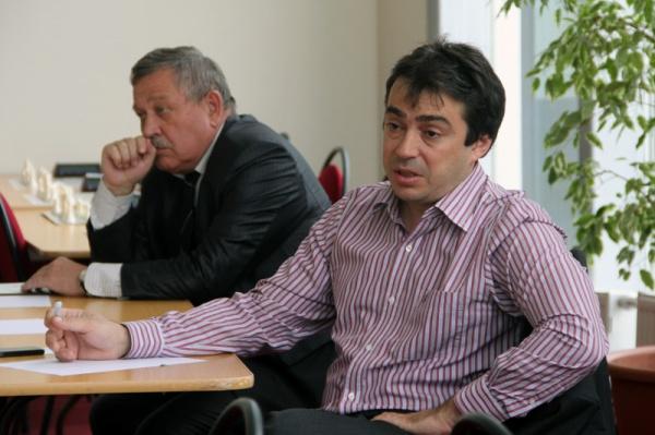 Марк Глуховский встретился с воспитанниками шахматного клуба ДФУ