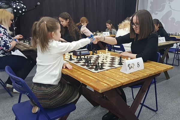 В Уфе прошел праздничный матч «Брюнетки» против «Блондинок»
