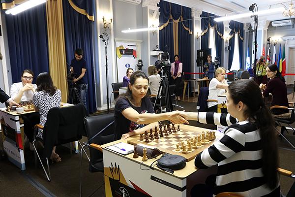 Александра Горячкина увеличивает отрыв на турнире претенденток