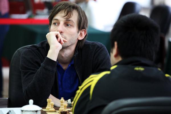 Александр Грищук и Шахрияр Мамедьяров возглавили гонку в Пекине