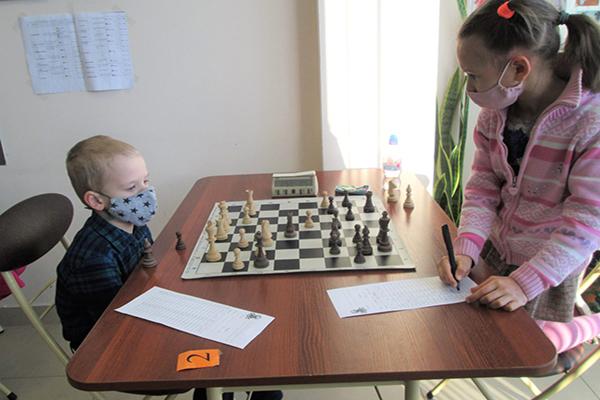 Стартовало первенство Пскова среди самых юных шахматистов