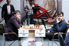 Leading Russian Grandmasters Vaccinated Against COVID-19