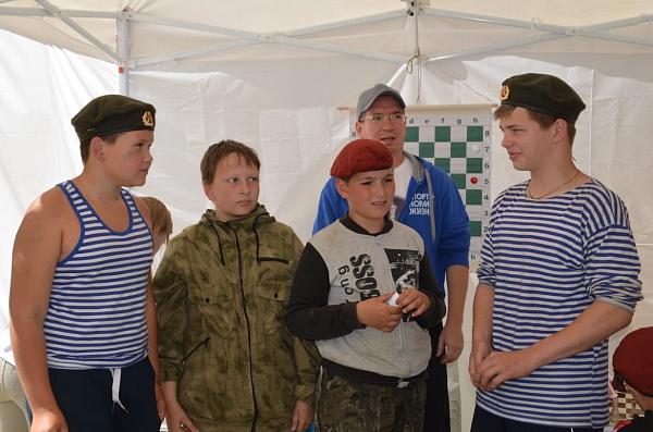 """В лагере """"Спецназ дети"""" прошел шахматный матч"""