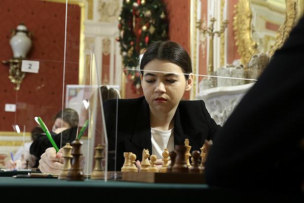 Полина Шувалова захватила лидерство на Суперфинале чемпионата России среди женщин