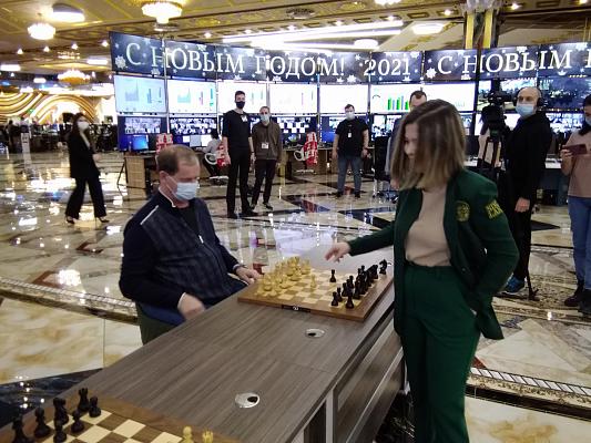 """Лея Гарифуллина провела сеанс в """"Сима-ленде"""""""