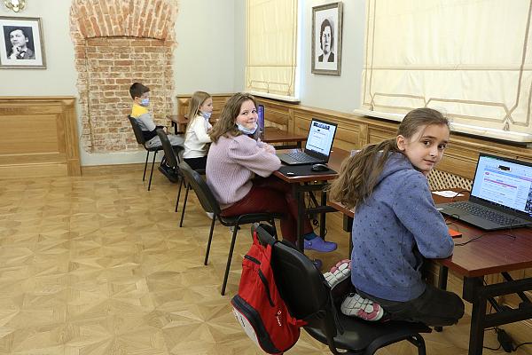 На Всероссийском детско-юношеском онлайн-турнире по рапиду сыграно пять туров