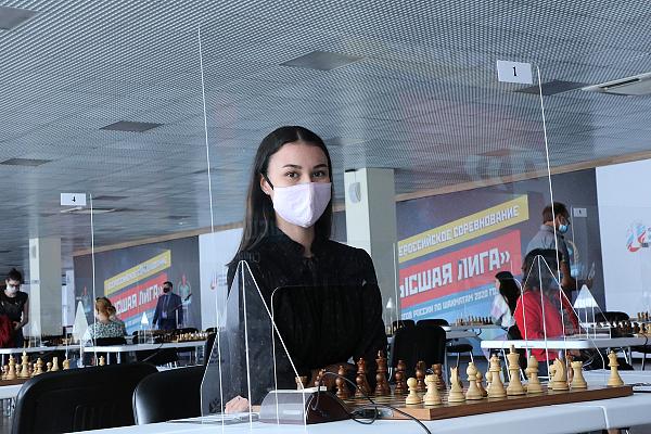 Валентина Гунина и Юлия Григорьева лидируют на Высшей лиге среди женщин