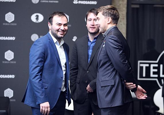 Александр Грищук и Петр Свидлер преследуют лидеров на этапе Гран-при в Москве