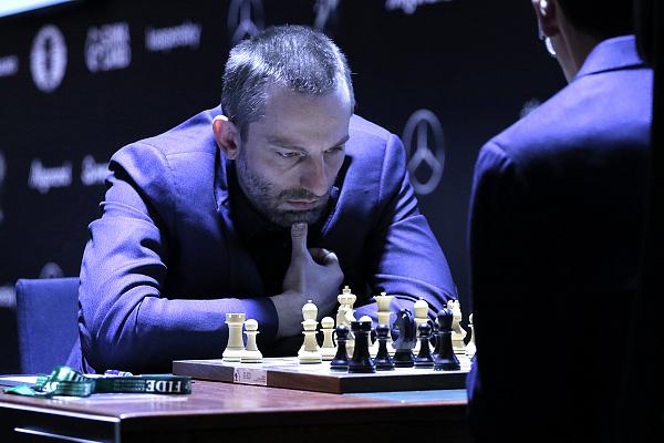Ян Непомнящий досрочно выиграл турнир претендентов ФИДЕ