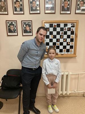 Максим Чигаев и Даниил Юффа встретились с воспитанниками шахматной школы А. Карпова в Тюмени