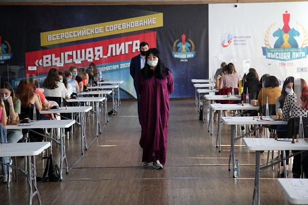 Максим Чигаев и Валентина Гунина сохраняют лидерство на Высшей лиге