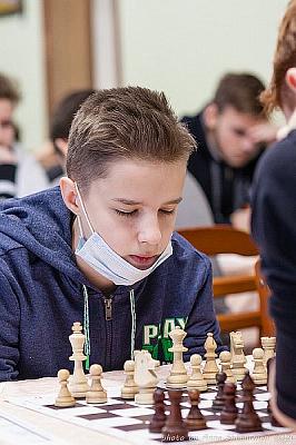 На командном первенстве России до 19 лет сыграно шесть туров