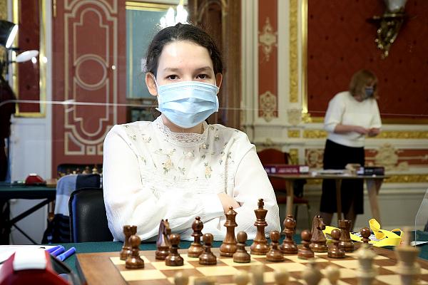 В Москве сыграны первые партии Суперфиналов