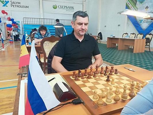 Дмитрий Яковенко и Ян Непомнящий лидируют в Пойковском
