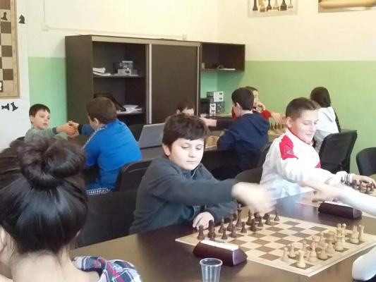 Юные шахматисты РСО-Алании и Дагестана провели товарищеский матч