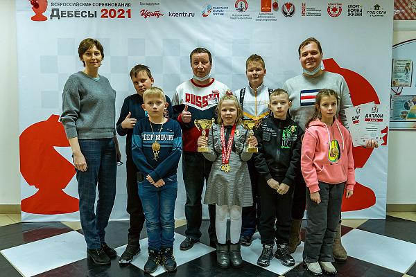 В Дебесах завершились Всероссийские соревнования среди сельских школьников по рапиду и блицу