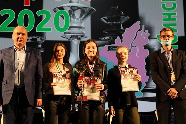 В Челябинске прошли чемпионаты УрФО по рапиду