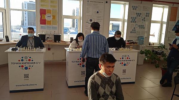 Бурятские школьники сыграли матч с финскими шахматистами