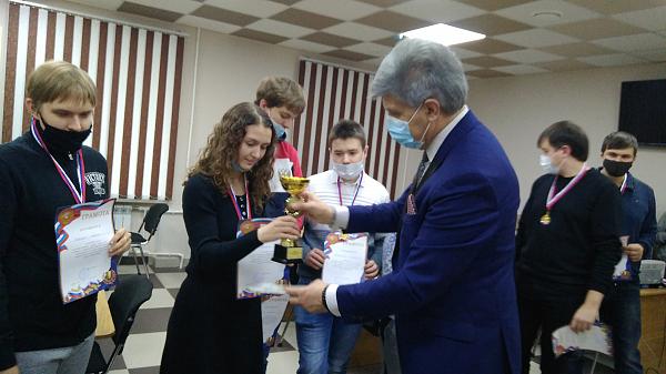 В Белгороде состоялся матч-турнир поколений по шахматам и русским шашкам